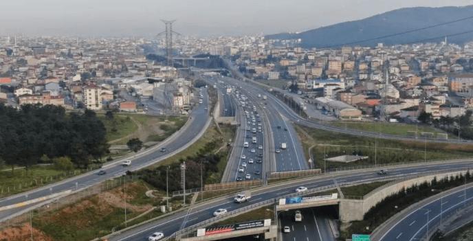 Tam kapanma öncesi İstanbul'da trafik yoğunluğu yüzde 74'ü aştı - Sayfa 1