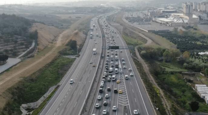 Tam kapanma öncesi İstanbul'da trafik yoğunluğu yüzde 74'ü aştı - Sayfa 4