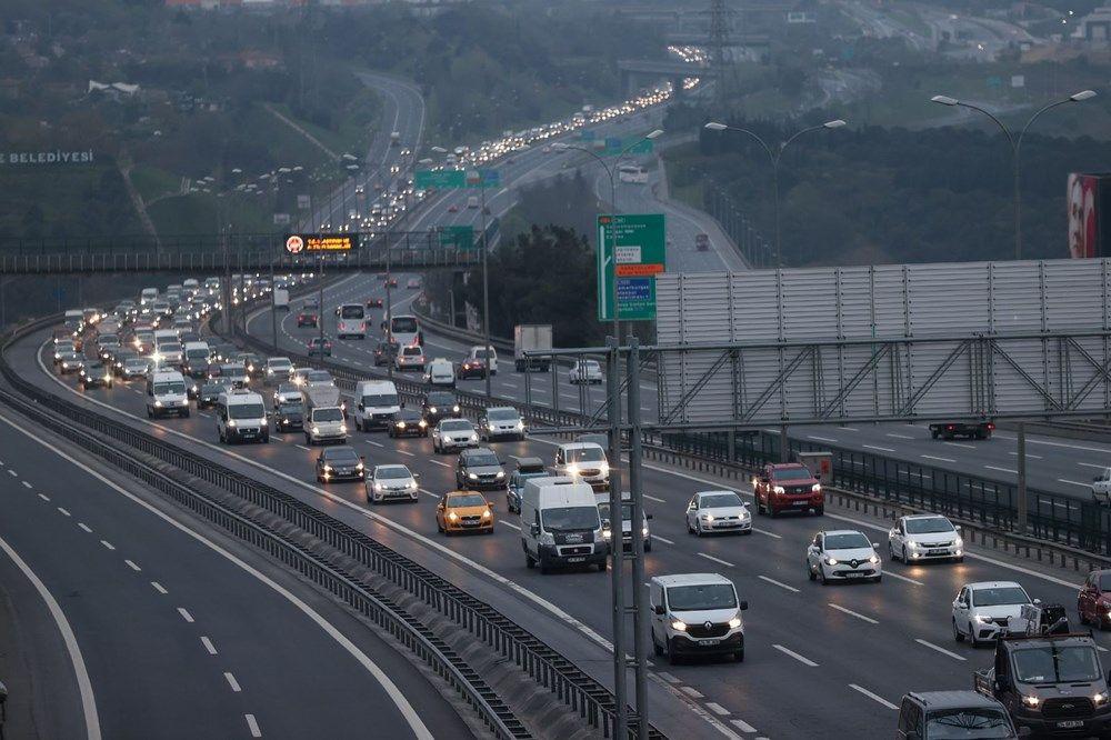 Tam kapanma öncesi kaçışlar sürüyor! İstanbul'da trafik yoğunluğu - Sayfa 1