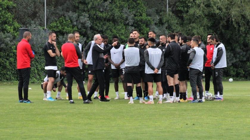 Mustafa Denizli: Buraya laf olsun diye gelmedim