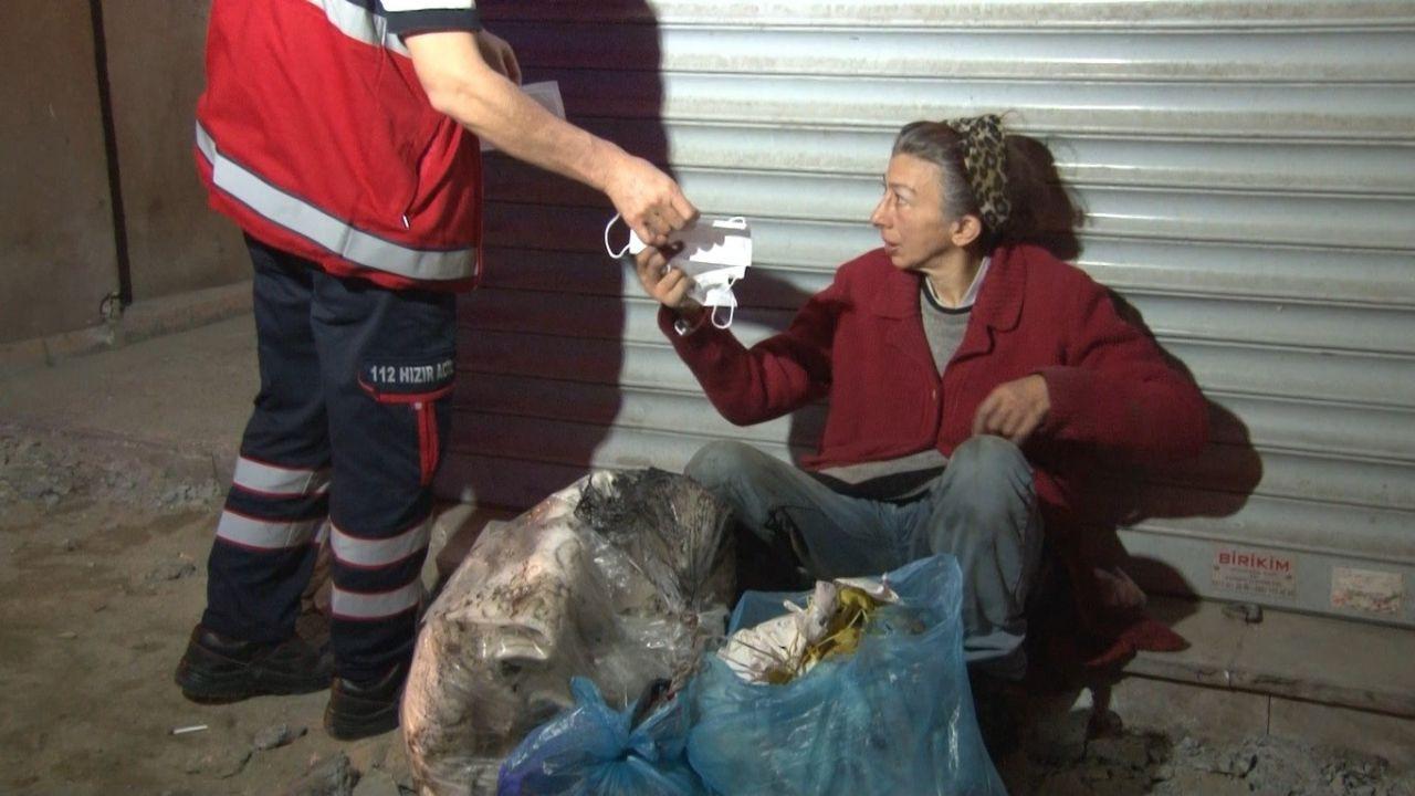 Gece vakti korkutan çığlıklar! Yaşlı kadın açık bırakılan kanalizasyon çukuruna düştü! video - Sayfa 4