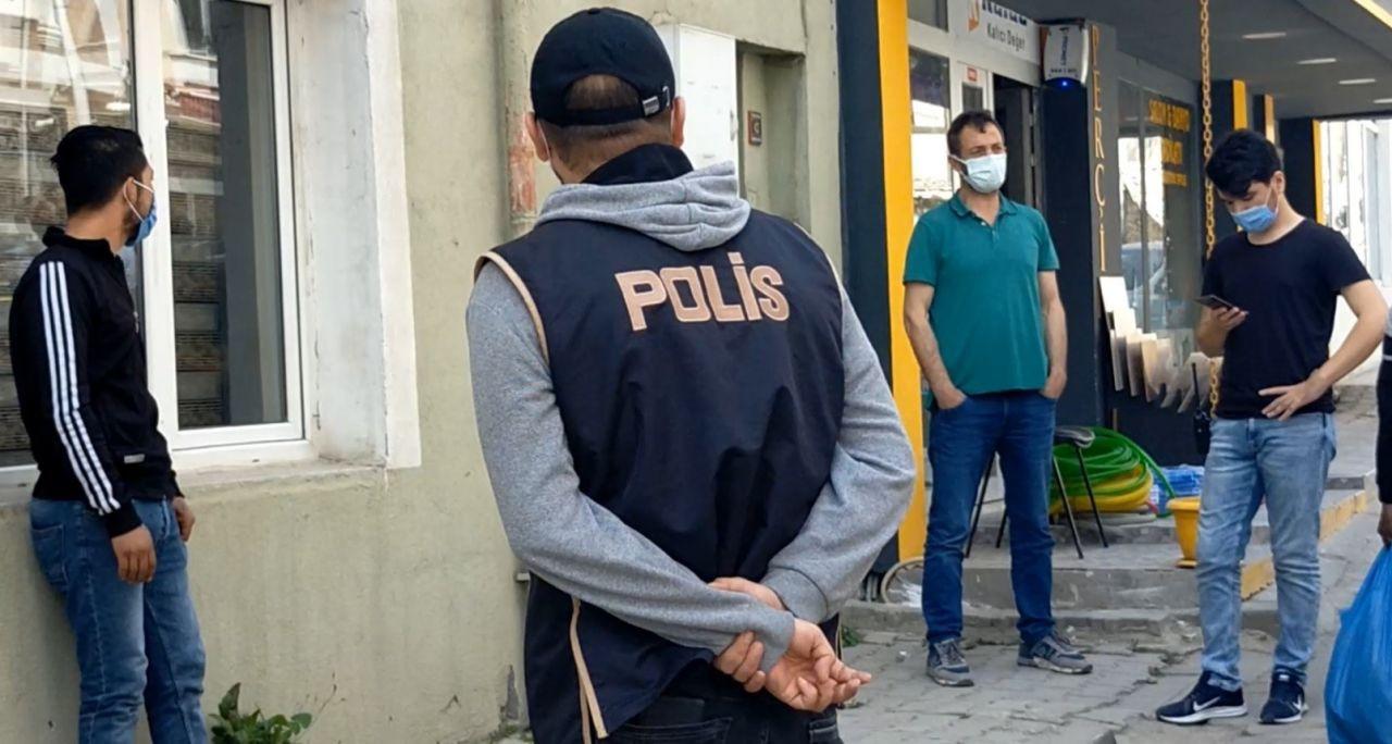 """Karantina firarisi markete giderken polislere yakalanınca """"Artık ekmek de yemeyeceğim"""" dedi! video - Sayfa 2"""