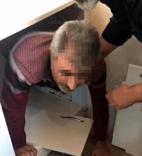 İzmir'de cinayet şüphelisi mutfak dolabındaki gizli bölmede yakalandı - Sayfa 1