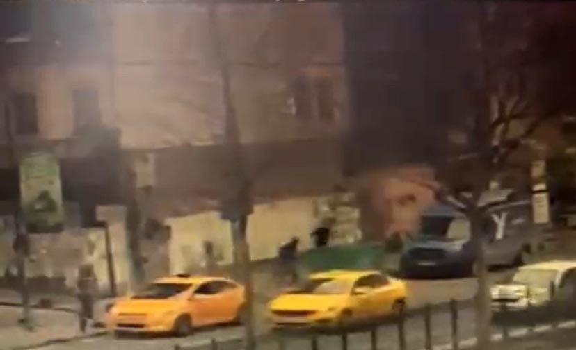 İstanbul'da silahlı çatışma anları kamerada: Çocuğunu bırakıp böyle kaçtı - Sayfa 4
