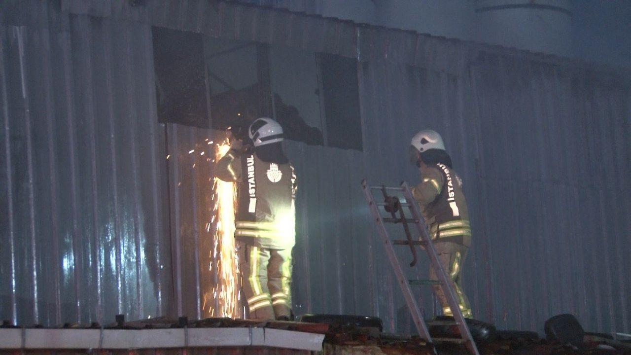 İzolasyon malzemeleri üretimi yapılan fabrikada korkutan yangın - Sayfa 2