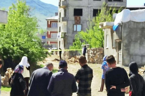 Van'da sokakta yakılmış ceset bulundu - Sayfa 1
