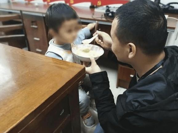 Çin'de akıl almaz bir olay! 2 yaşındaki oğlunu 202 bin liraya sattı - Sayfa 4