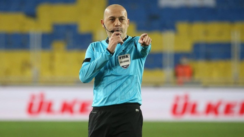 Cüneyt Çakır, Türkiye maçını yönetebilecek