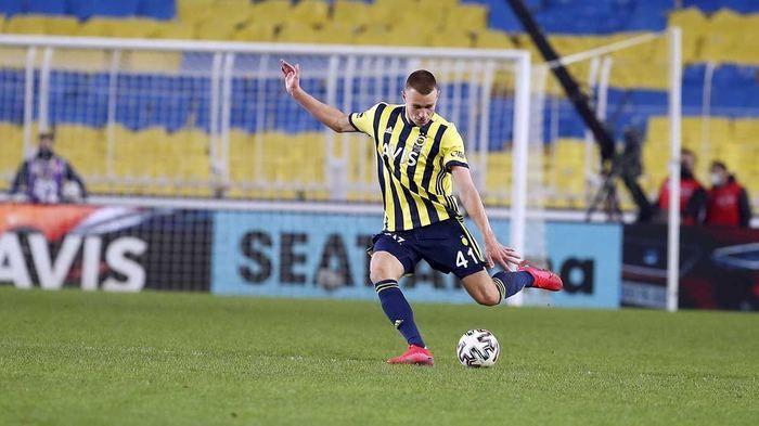 Fenerbahçe'de transfer bombası! 3 yıldız isimle anlaşma sağlandı - Sayfa 4