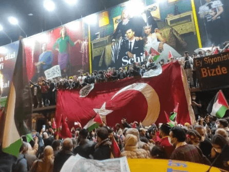 İsrail, Türkiye'de protesto edildi - Sayfa 3