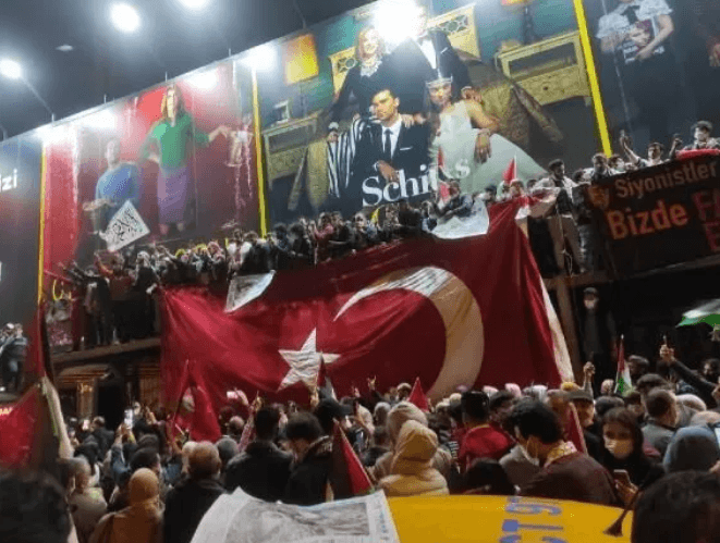 İsrail, Türkiye'de protesto edildi - Sayfa 4