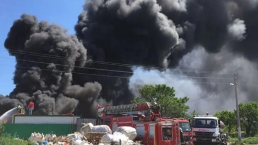 Çanakkale'de atık toplama merkezinde yangın