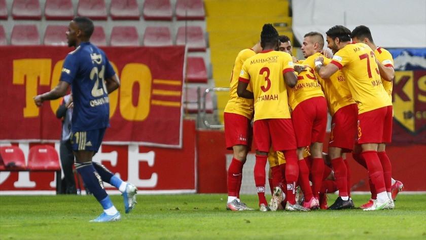 Fenerbahçe deplasmanda Kayserispor'u yendi ama yetmedi
