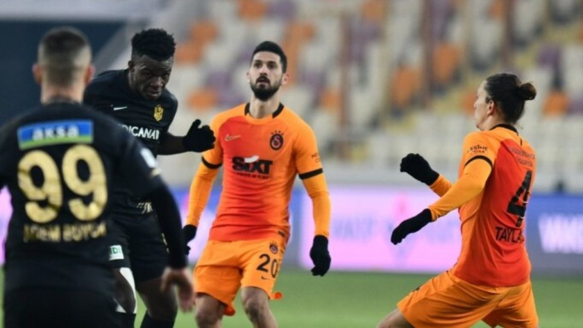 Galatasaray son ana kadar yarışı bırakmadı
