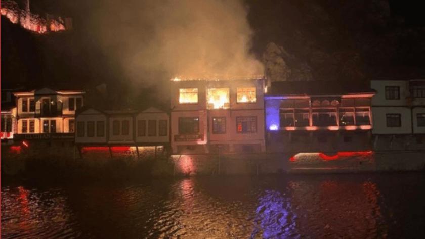 Amasya'da otel olarak kullanılan  150 yıllık tarihi konakta yangın