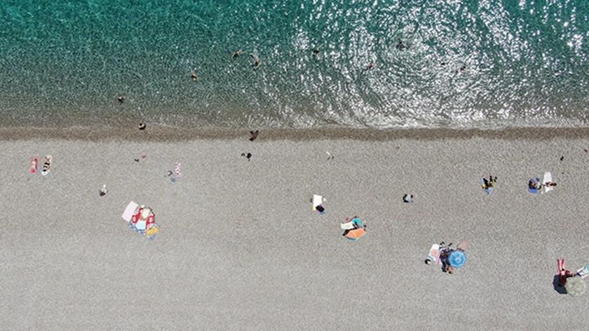 O ilimizde termometreler 39'u gösterdi, vatandaşlar sahile akın etti