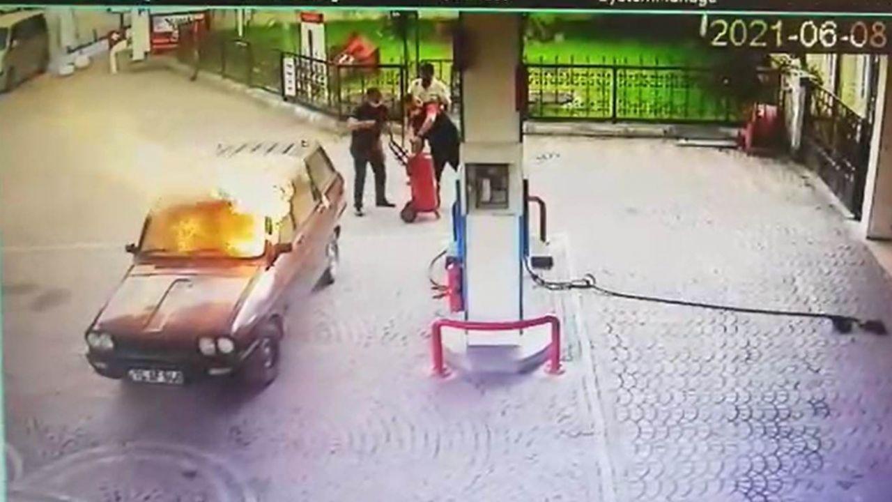 Akaryakıt istasyonunda alev topuna dönen otomobilden alevlerin arasından böyle çıktı! video - Sayfa 3