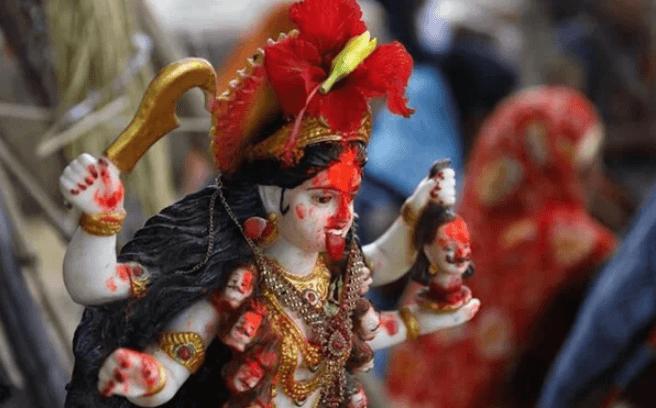 Hindistan'da koronavirüse 'çare' için tapınak kuruldu! - Sayfa 3
