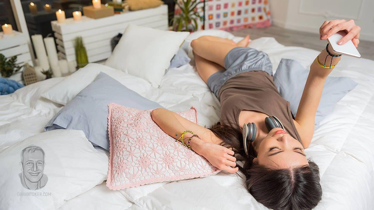 Telefonu elinden düşmeyen eşiniz ya da sevgiliniz varsa dikkat! ''Seksting'' olabilir... - Sayfa 2