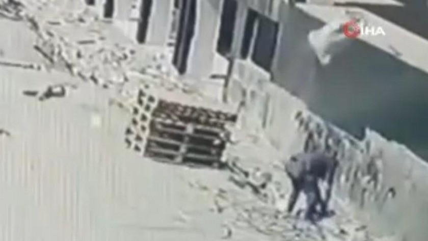 4. kattan üzerine kum çuvalı düşen şahıs ağır yaralandı