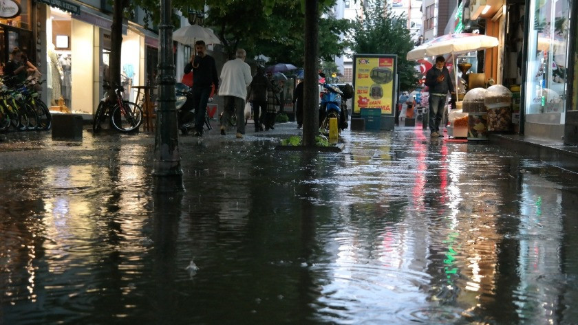 Eskişehir'de şiddetli yağmur!