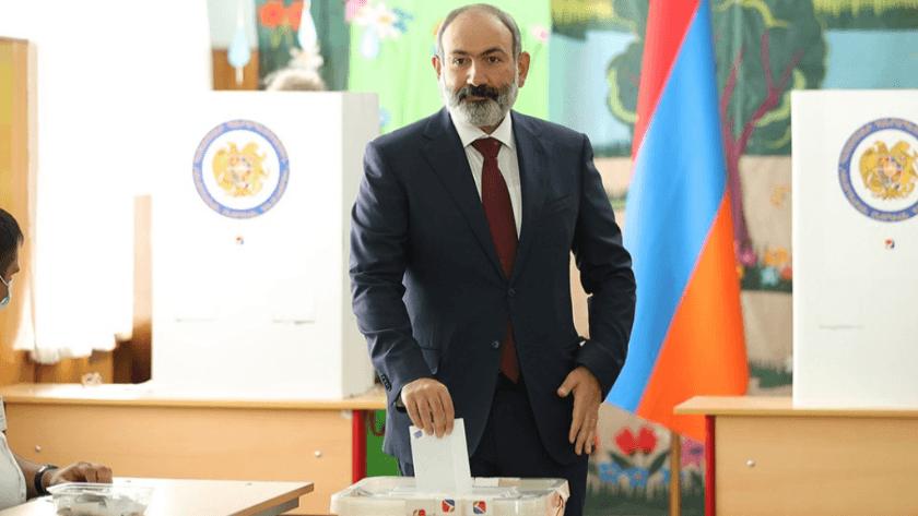 Ermenistan'da erken seçimde Paşinyan'ın partisi önde götürüyor!