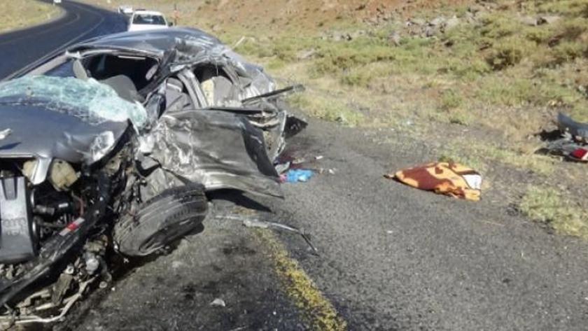 Diyarbakır'da feci kaza! Kamyon ile otomobil çarpıştı