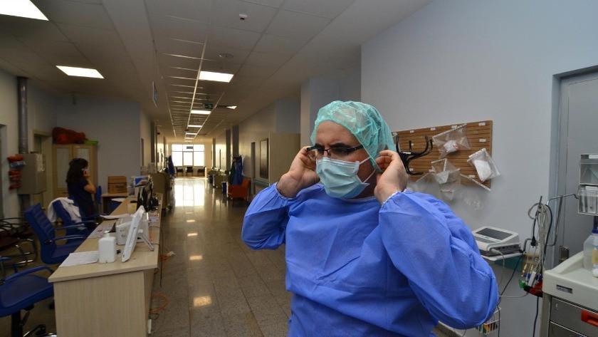 Sağlık çalışanlarının istifa yasağı sona eriyor