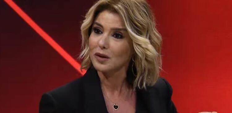 Ünlü şarkıcı Gülben Ergen siyah mayosuyla ayna karşısına geçti! - Sayfa 1