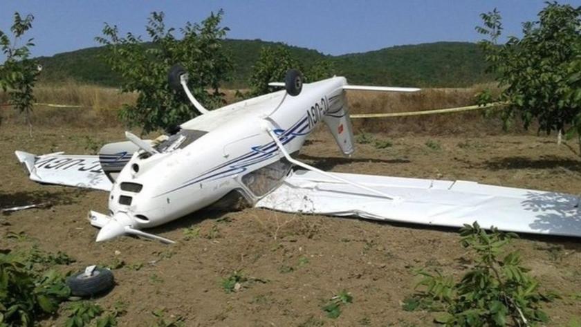 Bursa'da eğitim uçağı tarlaya zorunlu iniş yaptı