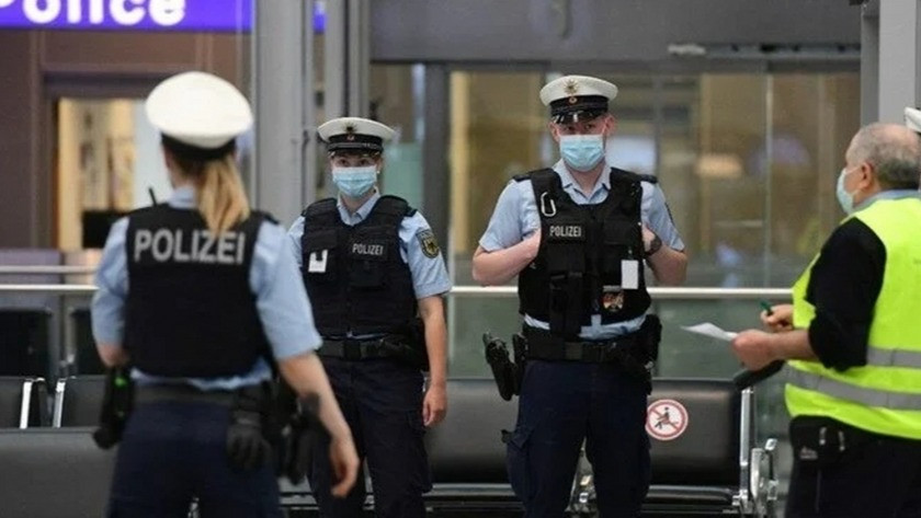 Düsseldorf Havalimanı'nda bıçaklı saldırı