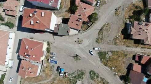 Yol ortasındaki görüntü görenleri şaşkına çeviriyor - Sayfa 2