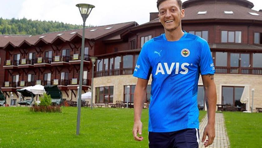 Mesut Özil, Vitor Pereira'dan övgüyle bahsetti