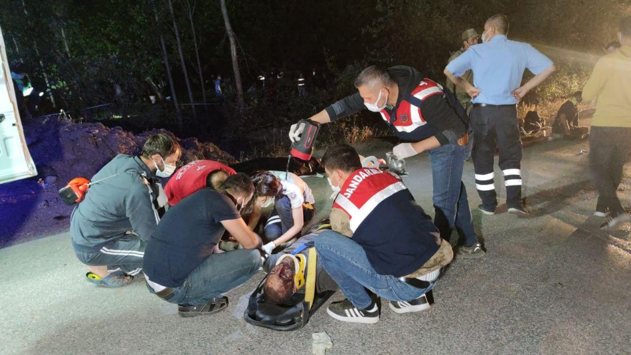 Van'ın Muradiye İlçesi'nde kaçak mülteci taşıyan minibüs kaza yaptı! Çok sayıda ölü ve  yaralı var - Sayfa 4