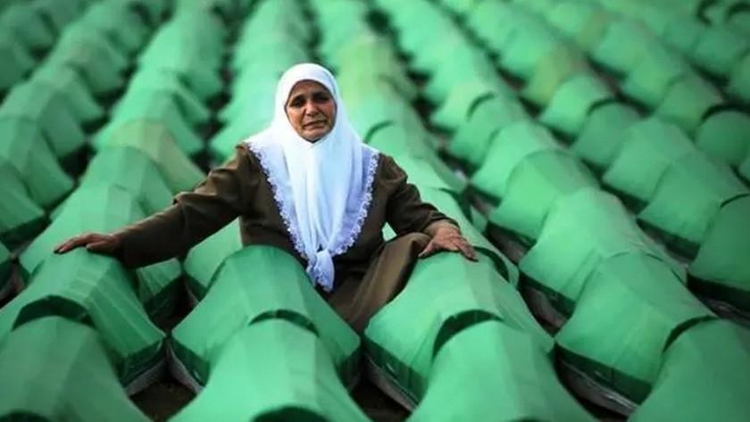 Srebrenitsa katliamının üzerinden 26 yıl geçti