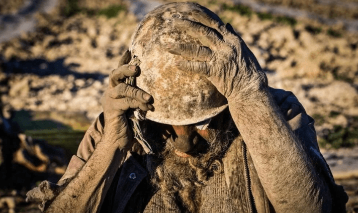 İnanılmaz şekildeki yaşam tercihi! 65 yıldır yıkanmayan adam: Amoo Hadji - Sayfa 1
