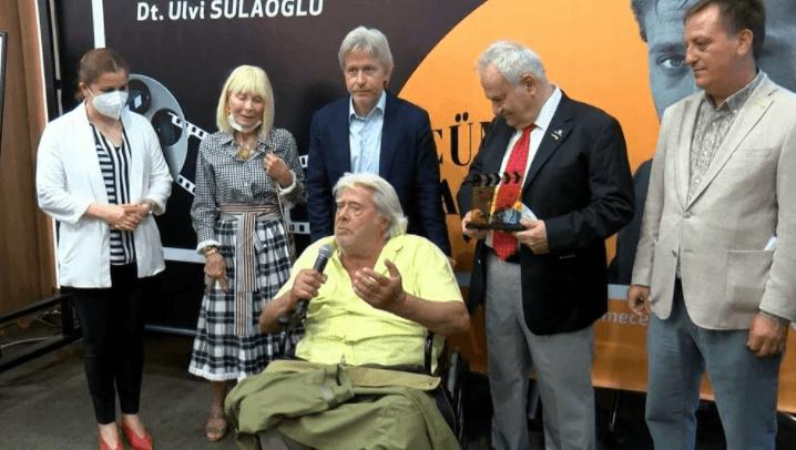 Türk Sinemasının usta ismi Cüneyt Arkın: Utanmasam ağlayacağım' dedi - Sayfa 4
