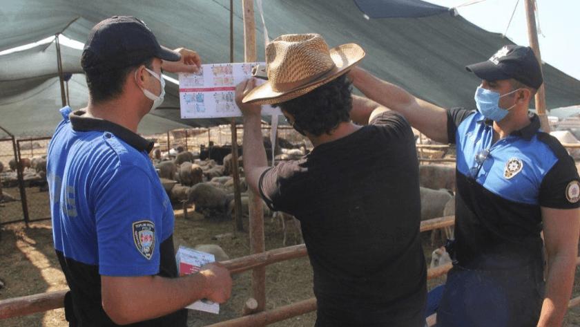 Adana'da polis Kurban pazarında sahte para uyarısı yaptı!