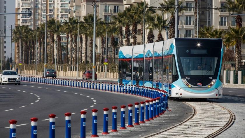 İzmir'de toplu ulaşımı bayramda yüzde 50 indirimli