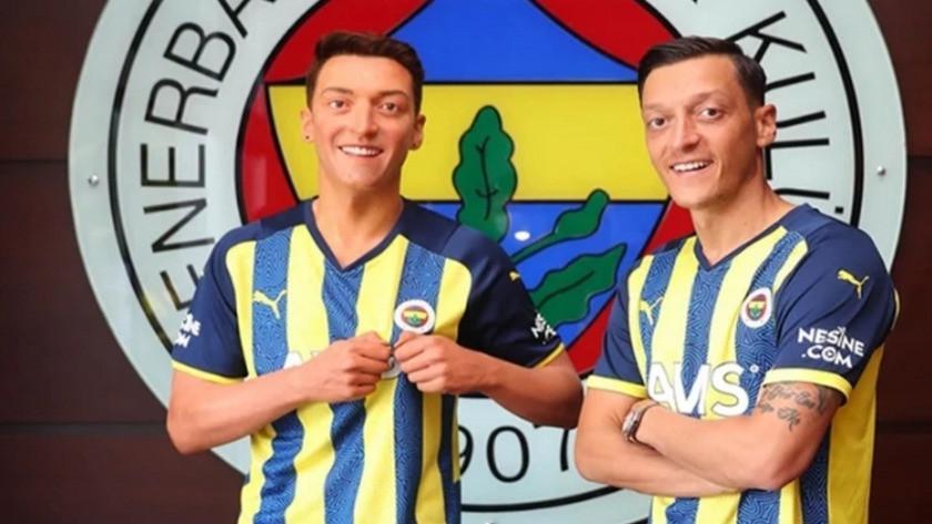 Fenerbahçe'nin yıldızı Mesut Özil'in balmumu heykeli İstanbul'da!