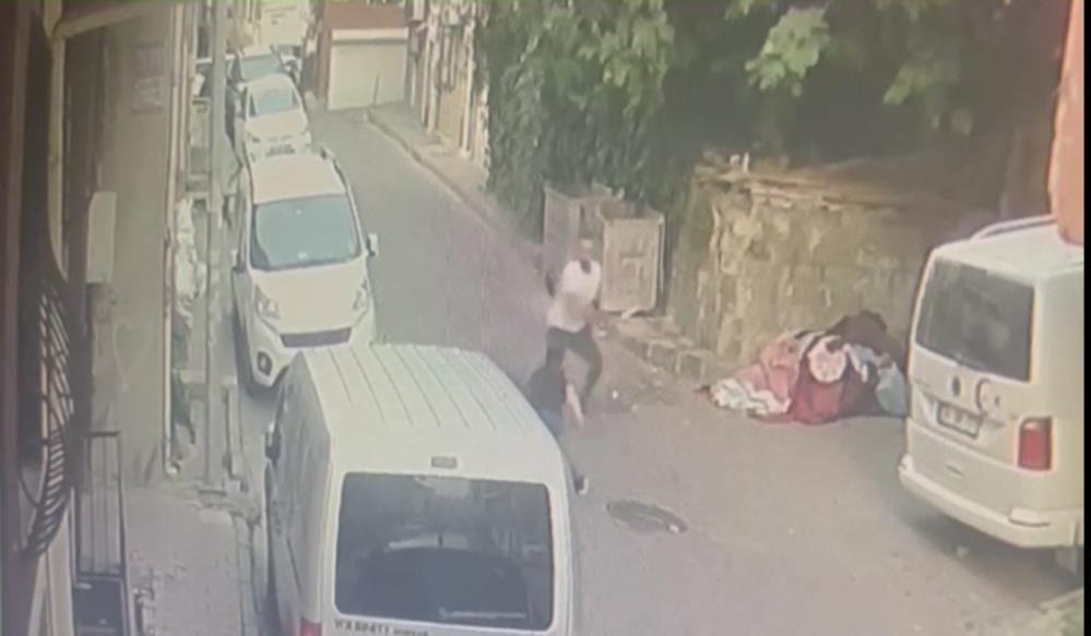 Korkunç cinayet kamerada: Yaralı halde motorla kaçtı, hastanede öldü - Sayfa 1