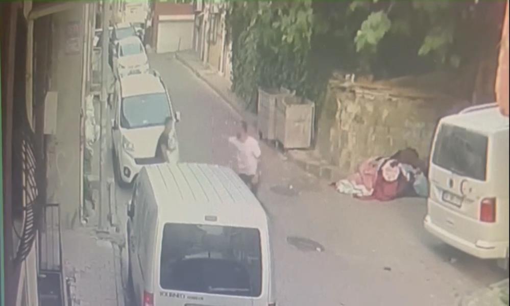 Korkunç cinayet kamerada: Yaralı halde motorla kaçtı, hastanede öldü - Sayfa 2