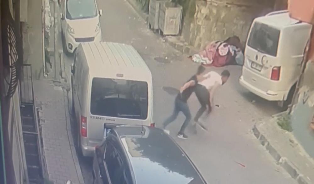 Korkunç cinayet kamerada: Yaralı halde motorla kaçtı, hastanede öldü - Sayfa 4