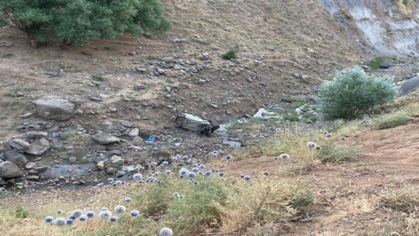 Direksiyon hakimiyetini kaybetti uçuruma yuvarlandı: 2 ölü, 2 yaralı