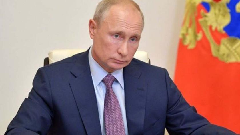 Putin, Rus aşıların onayını geciktirenlere isyan etti