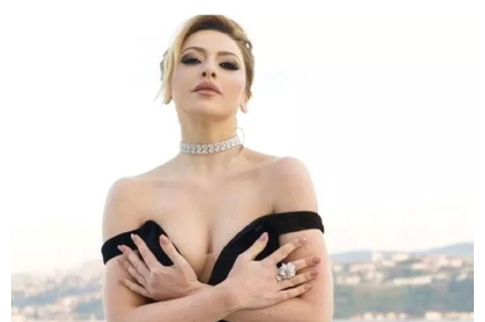 Hadise'nin 'bikini' şovu nefes kesti! Sosyal medyada olay oldu! - Sayfa 2