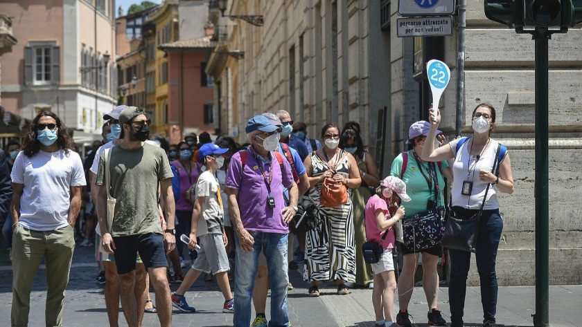 İtalya'da son 24 saatte 5 bin 140 yeni vaka