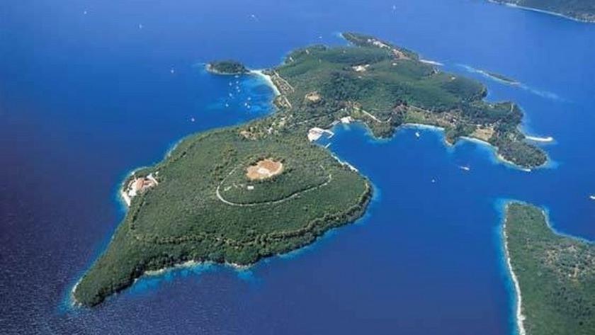 Yeni trend ada sahibi olmak! İşte ada sahibi ünlüler ve satılık adalar