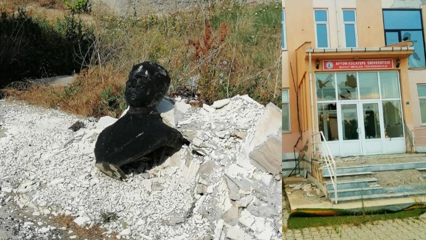 Büyük Taarruz'un başladığı ilçede Atatürk büstünü yakıp çöpe attılar