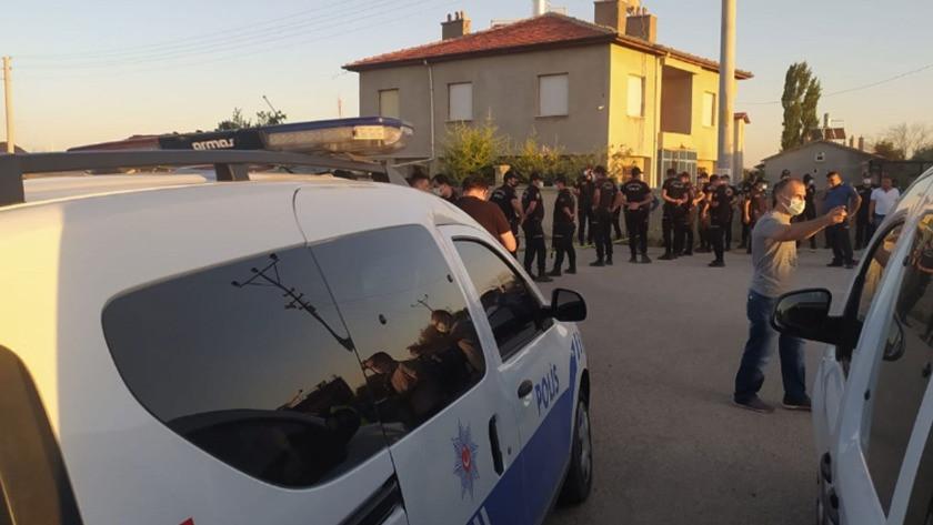 Silahlı saldırı sonrası evi ateşe verdiler: 7 ölü